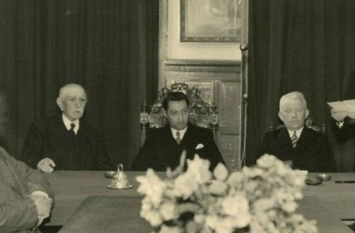 Jan Meuwese, waarnemend burgemeester in Udenhout in 1945. Het zou een opstapje blijken voor Hilvarenbeek.