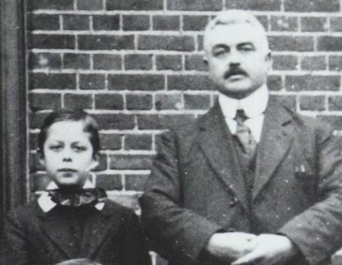 Meester Jozef van de Lisdonk in plusminus 1920.